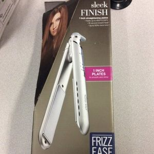 NIB John Frieda Flat Iron